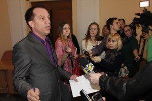 Мамая вимагать піти у відставку через неспроможність зібрати депутатів на сесію Полтавської міськради