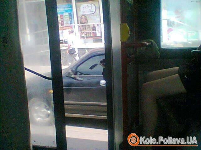 У Полтаві через спеку «кільцеві» їздять з відкритими дверима