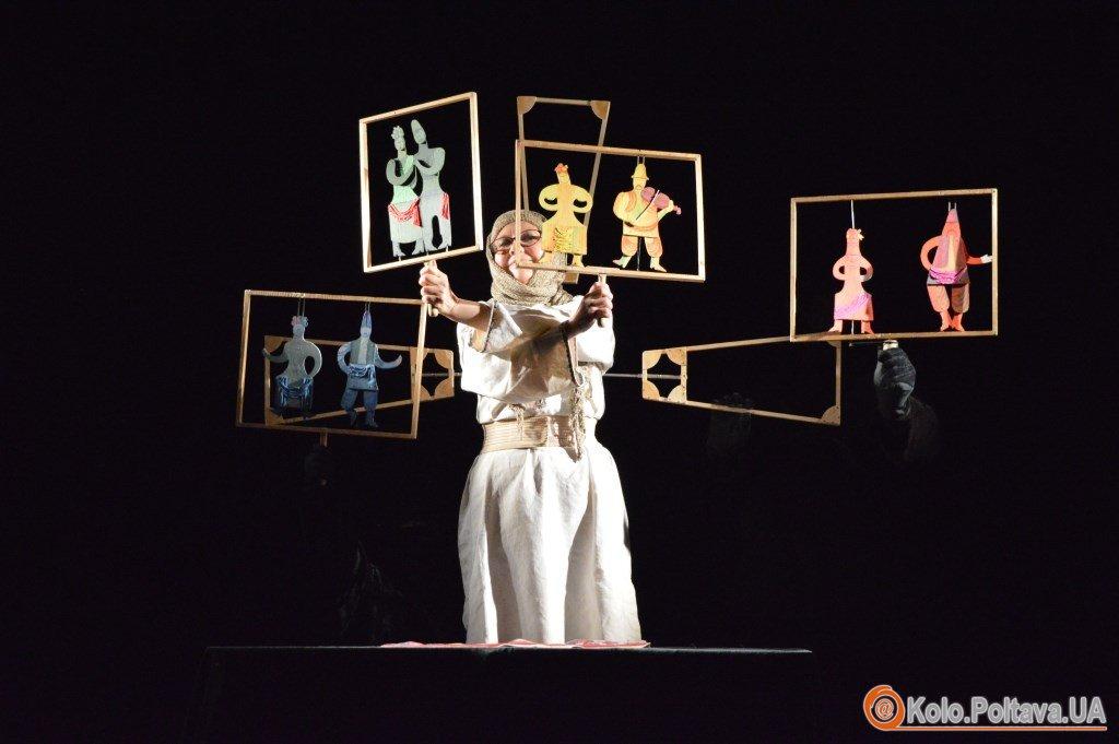 Казка Андерсена прозвучала в українському стилі на сцені театру ляльок у Полтаві