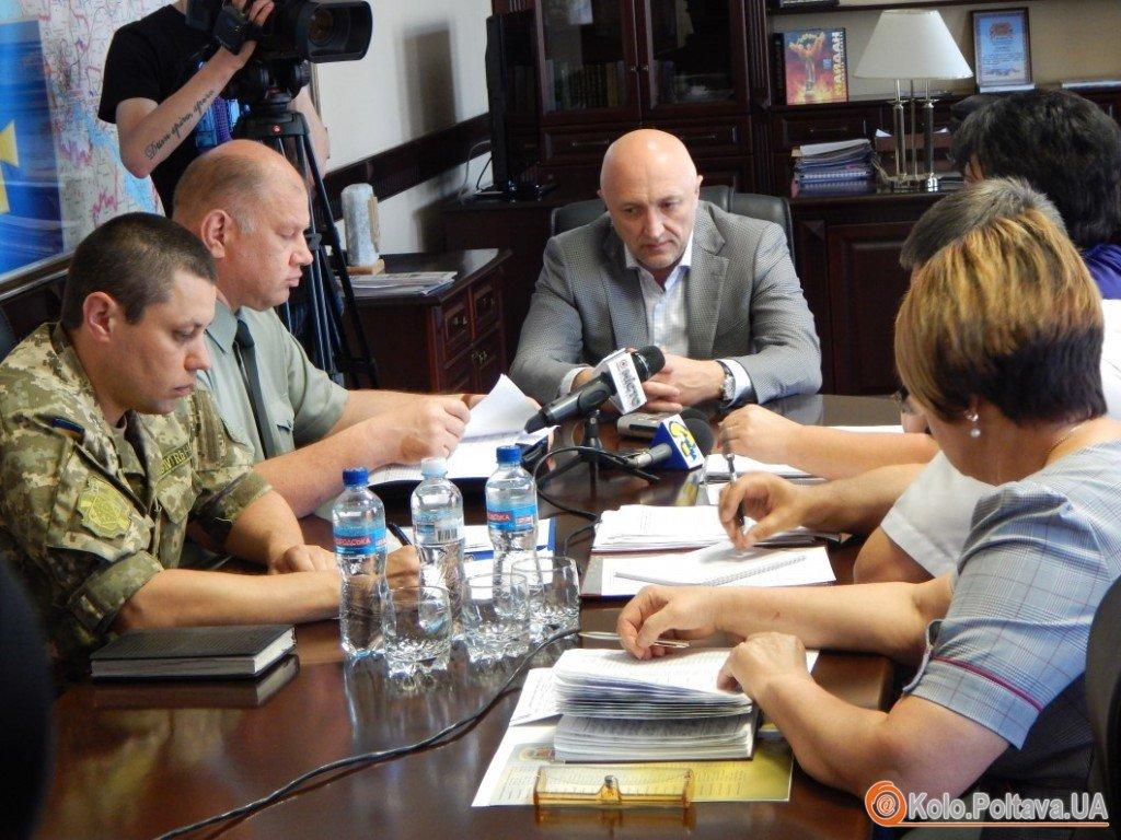 Чоловіків-біженців на Полтавщині не реєструватимуть без помітки військкомату