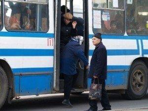 У Полтаві з тролейбуса випала 80-річна жінка