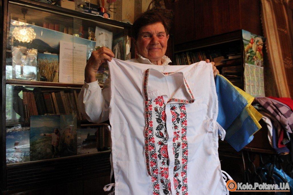 76-річна Анастасія Дойнікова з Миргорода ходить у високі гори та бігає марафони