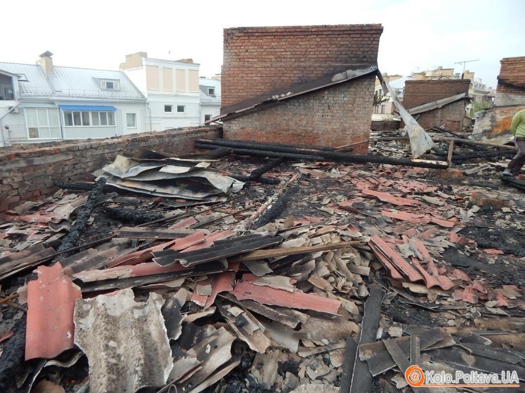 Втратили дах через блискавку: про «зміни» у житті мешканців будинку на Першотравневому 13-а.