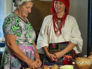 У полтавських селах шукають старовинні рецепти борщу