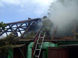 Фото: У Полтавской области горело частное хозяйство